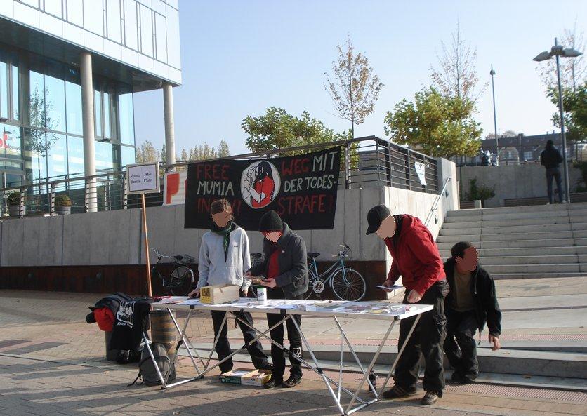 Infotisch, Mumia Abu-Jamal-Platz, 24.10.09
